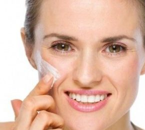 How to apply face cream properly